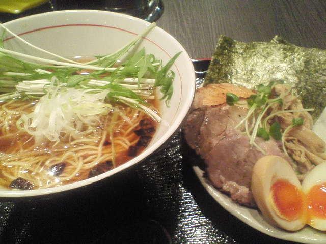 201204061937honda_niji