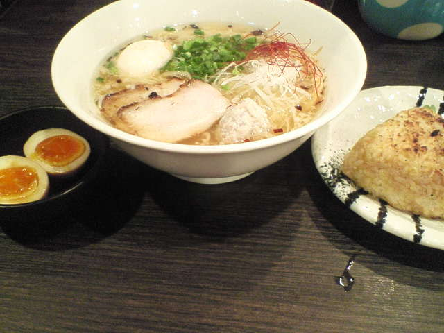 201210191950honda_niji